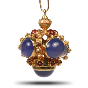 Crown Necklace1
